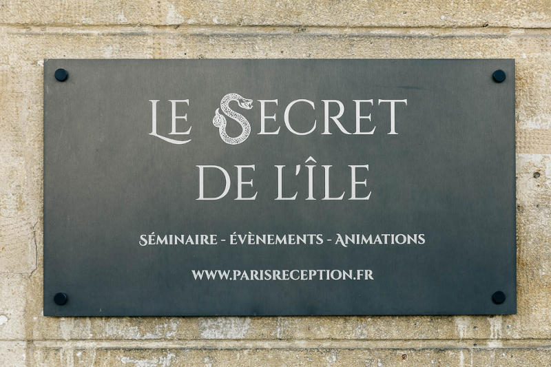 Plaque Le secret de l'île